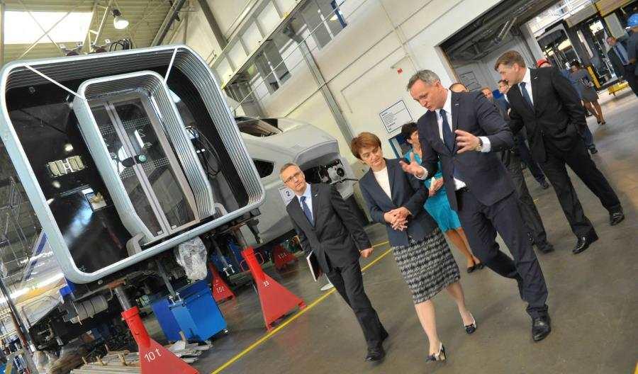 Minister Maria Wasiak obejrzała Darty dla PKP Intercity (zdjęcia)