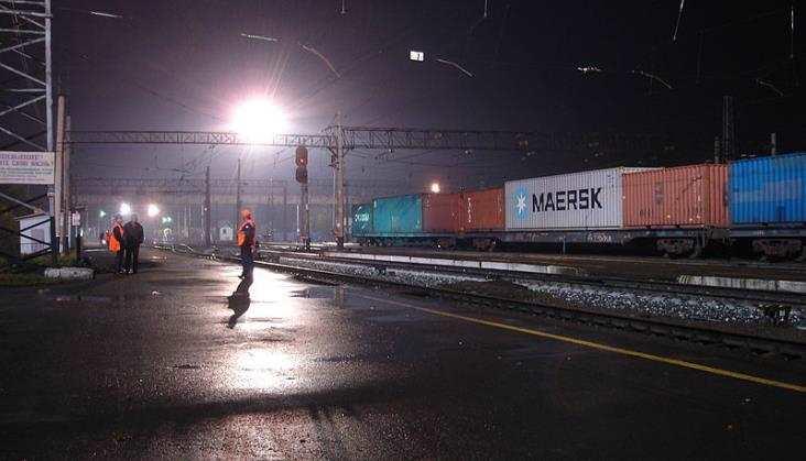 Rosja: Transsyberyjską koleją kontenerową w tydzień