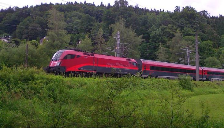 Przywrócono kursowanie pociągów Railjet między Niemcami aAustrią