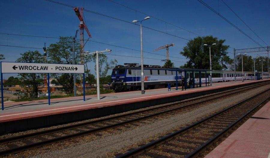 Jedenaście nowych peronów we Wrocławiu