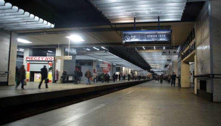 Warszawa: Rozdzielą ruch iułatwią przesiadki do metra naDworcu Śródmieście?