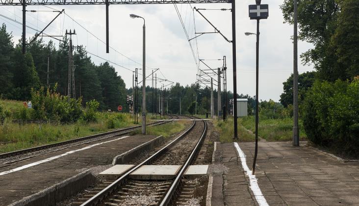 PKP PLK zmodernizuje perony i sieć trakcyjną na linii 353 w Wielkopolsce