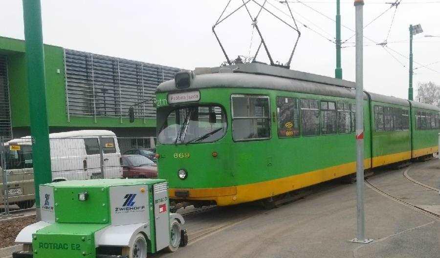 Pojazdy szynowo-drogowe Corail – sprawdzone wpolskich zajezdniach.
