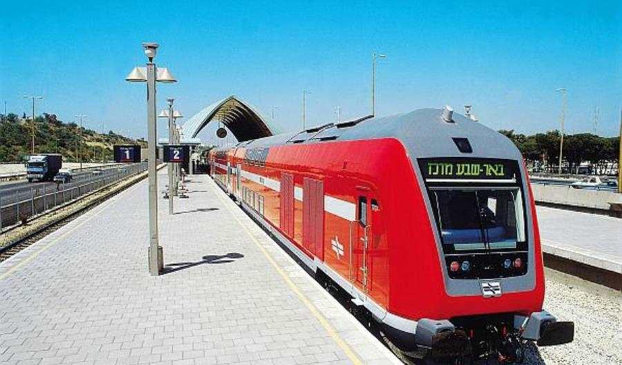 Bombardier zbuduje 78 wagonów piętrowych dla Izraela