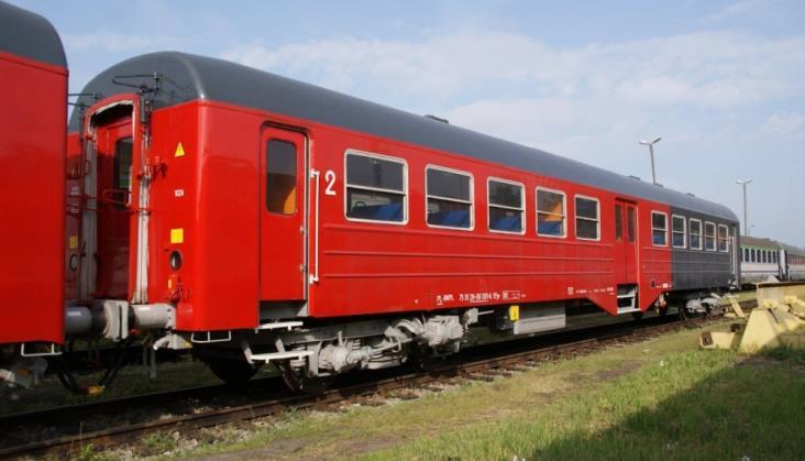 """SKPL wozi pasażerów """"ryflakami"""". To wagony z długą historią"""