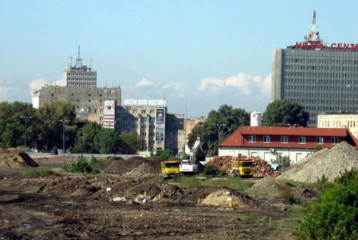 Pocztówka z przeszłości: Łódź Fabryczna 2005–2011