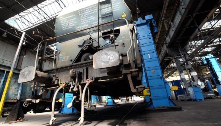Budowa własnych wagonów PKP Cargo w zawieszeniu