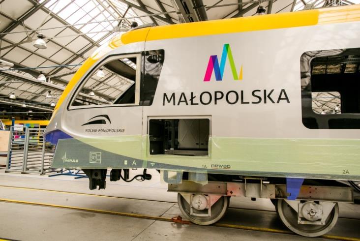 Newag pokazuje wnętrza Impulsów dla Małopolski (nowe zdjęcia)