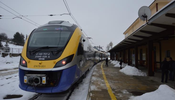 Mniej pociągów i zmiana przewoźnika na trasie z Krakowa do Krynicy-Zdroju