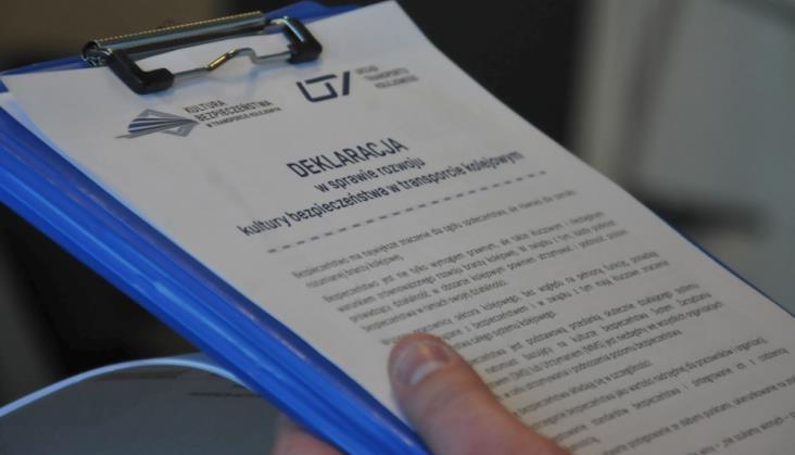 Prezes UTK chce cofnąć certyfikaty bezpieczeństwa kilku kolejowym spółkom