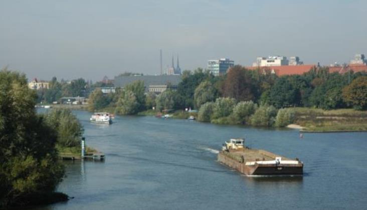 Jak rozwój żeglugi śródlądowej wpłynie na kolej i porty?